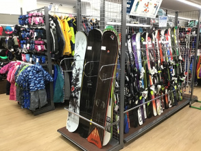 スキー・スノボ売場広くなりました!大人・キッズ・ジュニアございます!