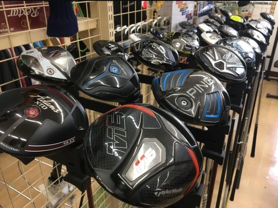 ゴルフ用品のゴルフウェア