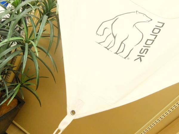 【TFスポーツ】白クマのタープが入荷♪