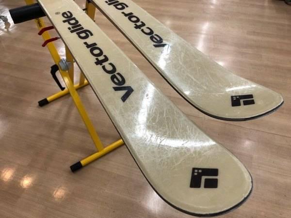 【TFスポーツ青葉台店】VECTOR GLIDE(ベクターグライド)のスキー板OMMNY入荷!!
