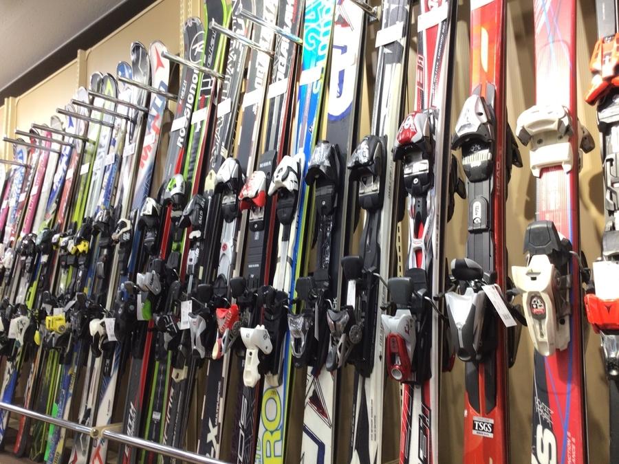 一式揃います!スキー用品をお探しならトレファクスポーツ青葉台店まで!!