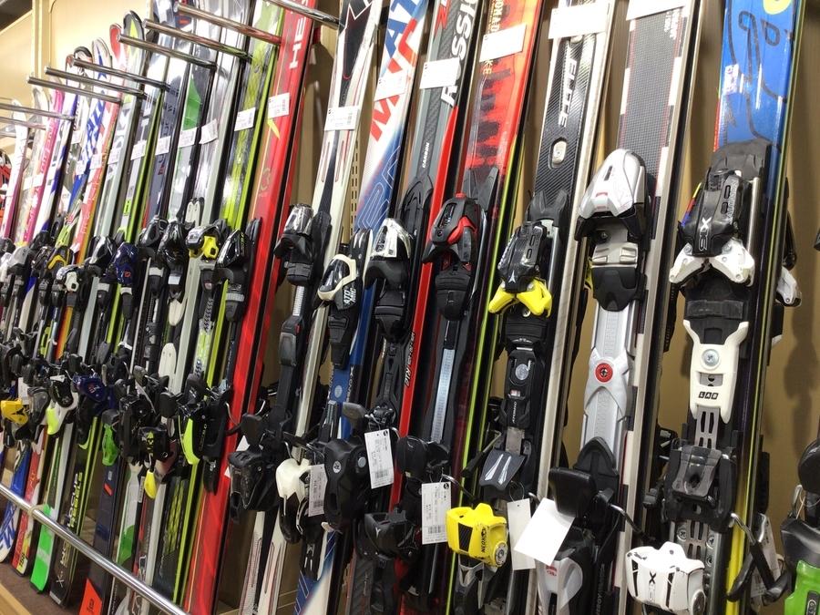 まだ間に合います!スキー用品をお探しならトレファクスポーツ青葉台店まで!!