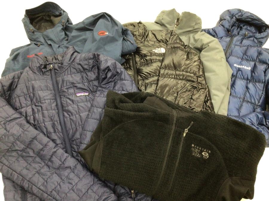 そろそろ衣替えシーズン!秋冬の洋服の売買はトレファクスポーツへ!