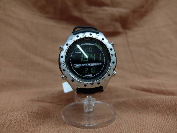 「メンズファッションの腕時計 」