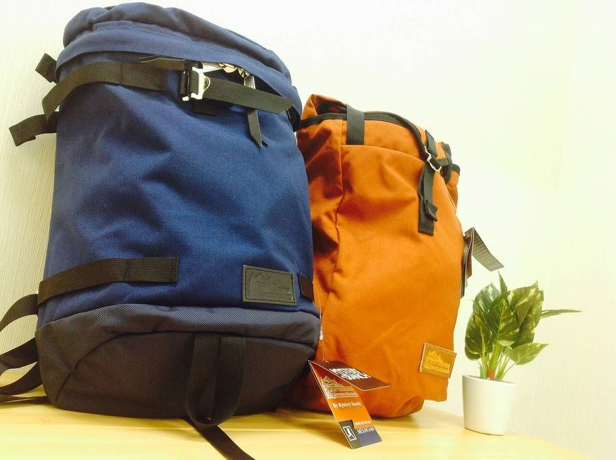 「ブランド・ラグジュアリーのバッグ 」
