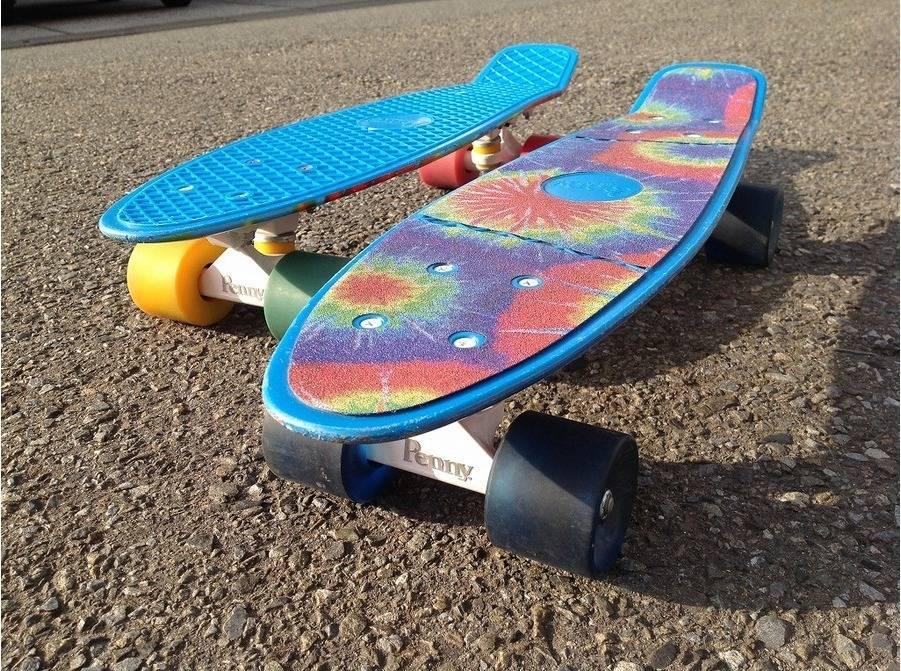 「スケートボードのサーフボード 」