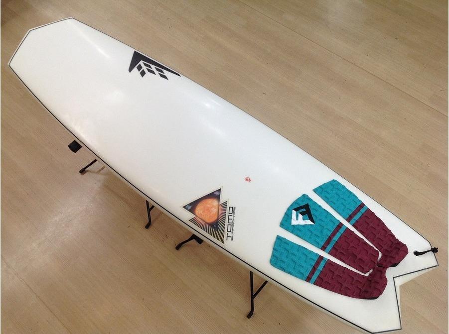 「サーフィンのサーフボード 」