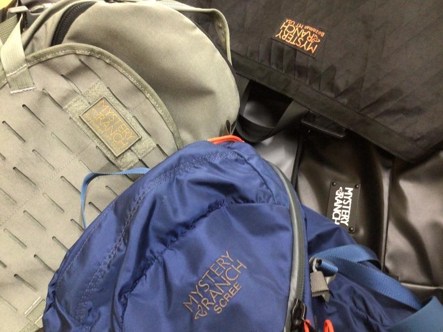 「アウトドア用品のバッグパック 」