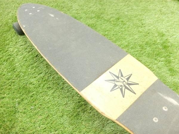 サーフボードのスケートボード