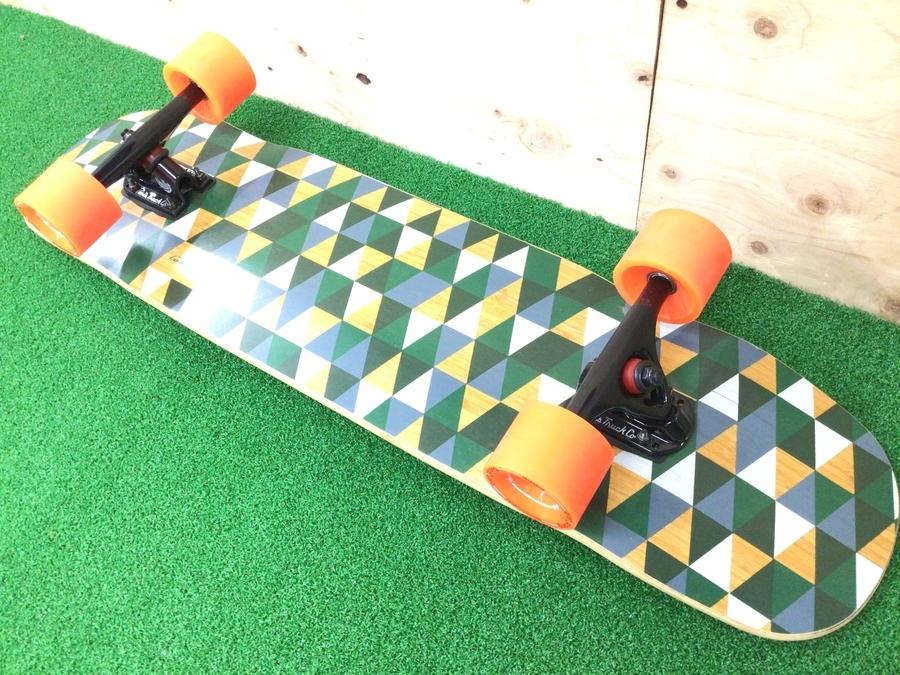 ペニーのスケートボード