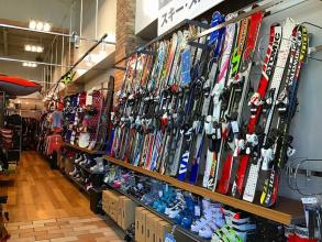 ウィンターセール実施中!まだまだあります!お得にスキー・スノーボード用品をGETしよう!