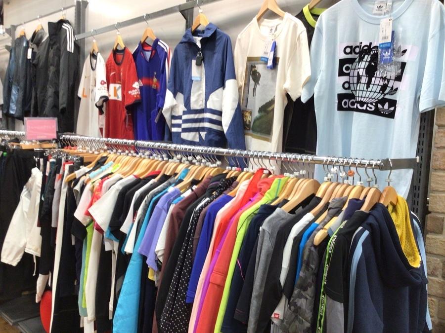 【スポーツウェア買取強化中】スポーツウェア、トレーニングウェアを売るならトレファクスポーツ三芳店へ!