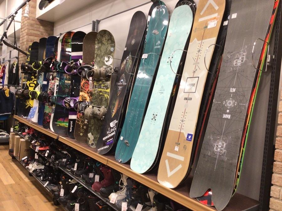 トレファクオンラインで購入できるスノーボードやブーツのご紹介!