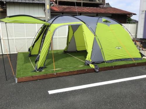 キャンプ用品の2ルームテント