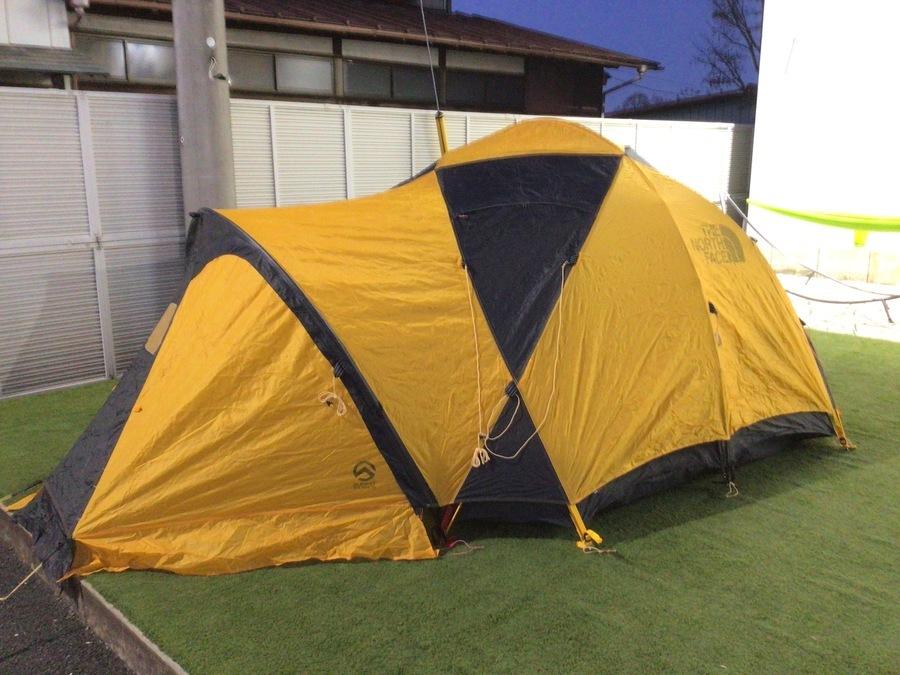キャンプ用品の中古テント