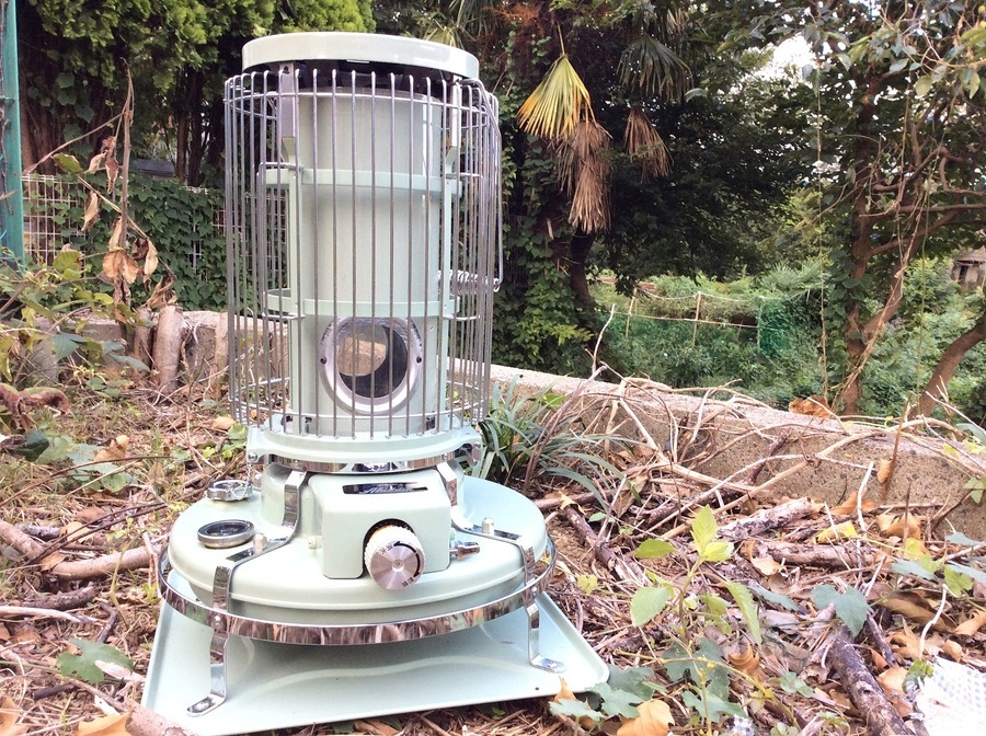秋冬の必須アイテム!アラジンのブルーフレームヒーター入荷です。
