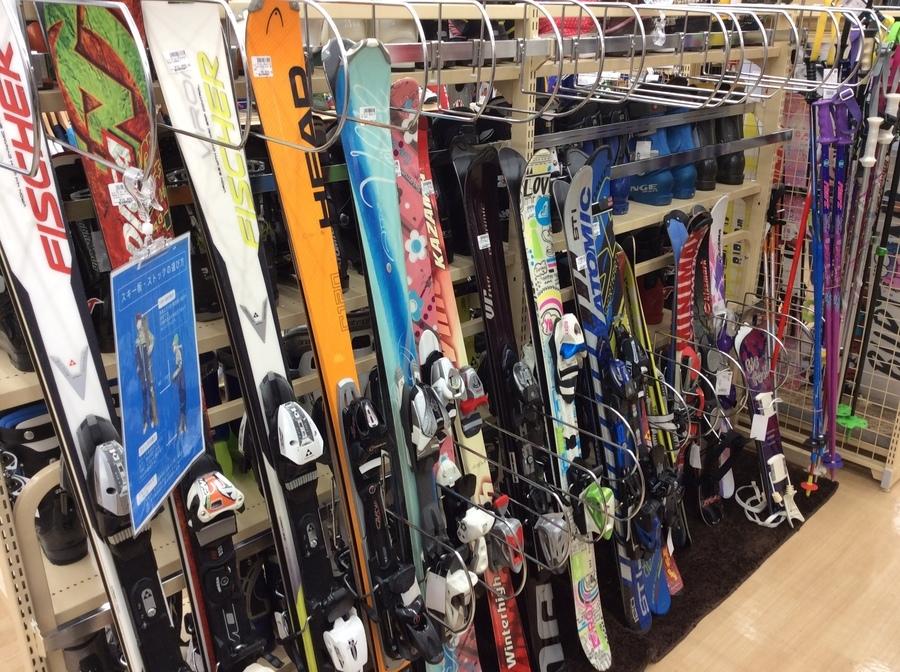 スキー多数ございます!ウインター用品、今なら在庫豊富で選べます!