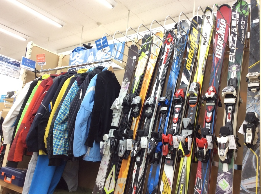 この時期がチャンス!スキー用品を売る・買うならトレファクスポーツ柏店へ!