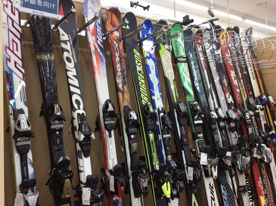 スキー・スノーボード続々入荷中です!