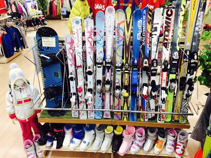 「シーズンスポーツのスキー 」