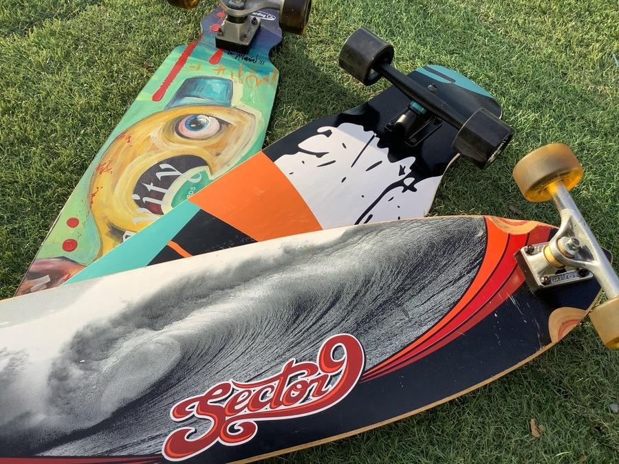「スポーツ用品のスケートボード 」