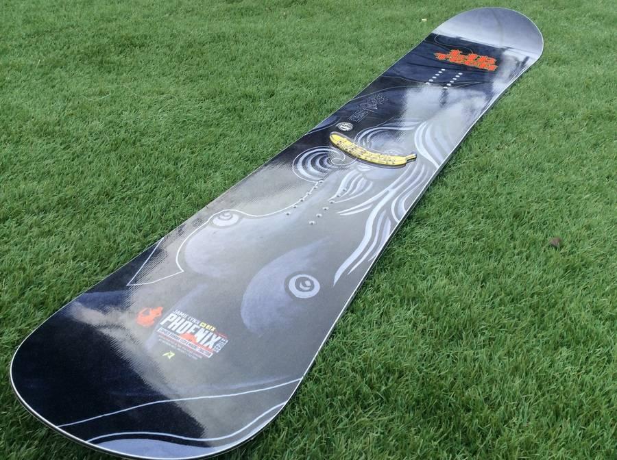 「スポーツ・アウトドアのスノーボード 」