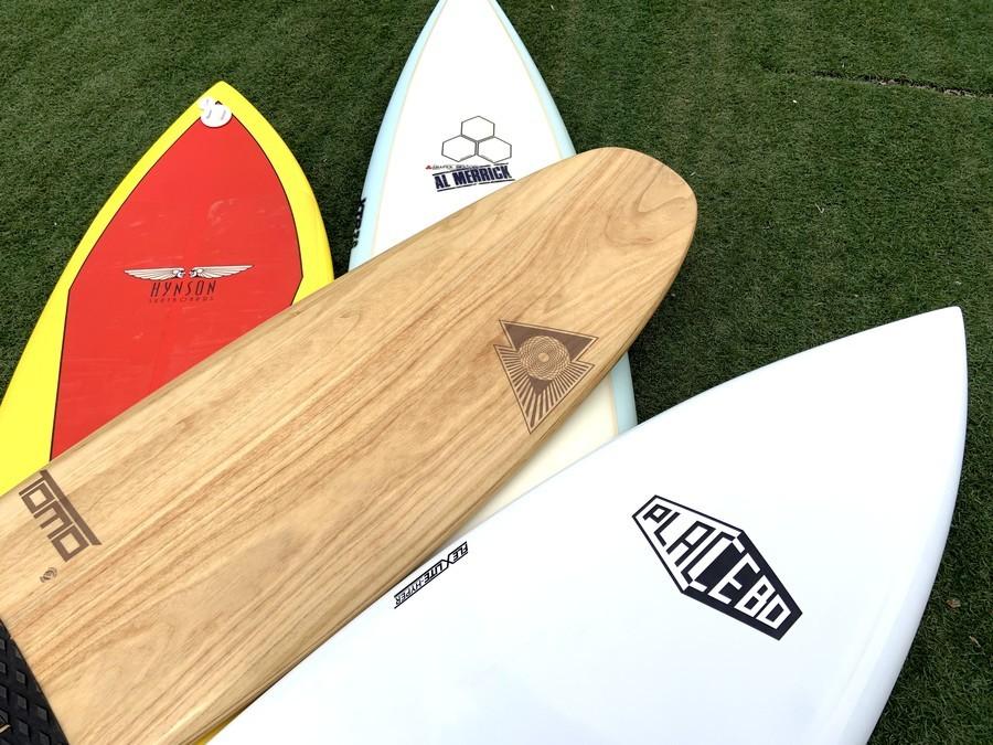 「スポーツ用品のサーフィン 」