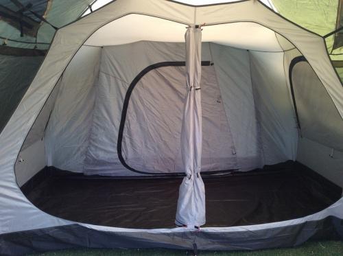 ツールームテントの流山 キャンプ用品
