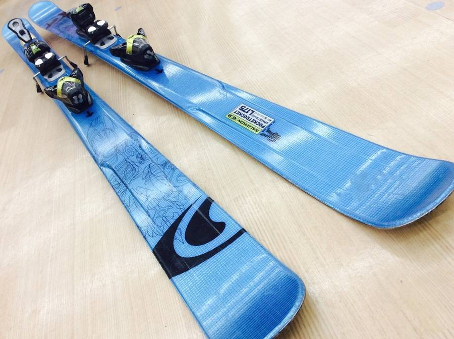 スポーツ・アウトドアのスキー