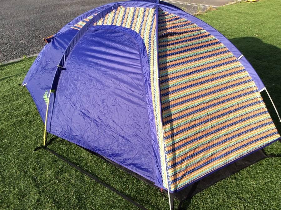 キャンプ用品のアウトドア用品