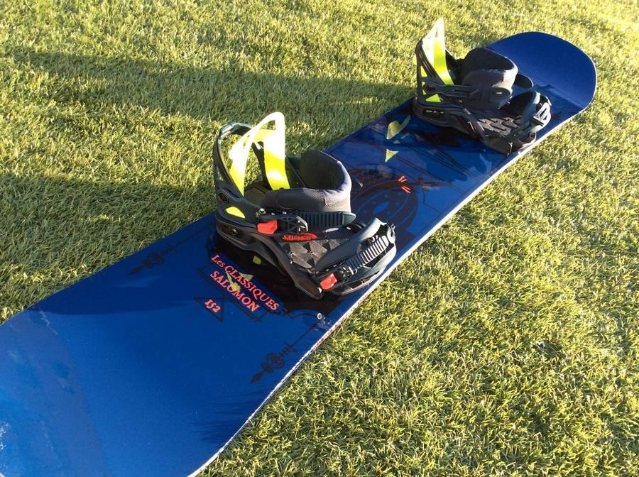 スポーツ用品のスノーボード