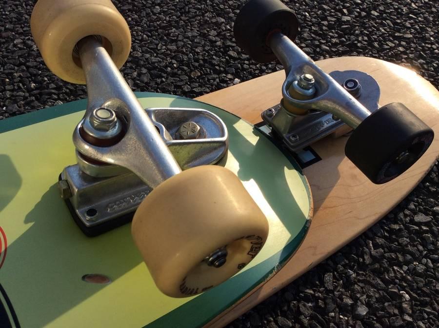 ストリートスポーツのスケートボード