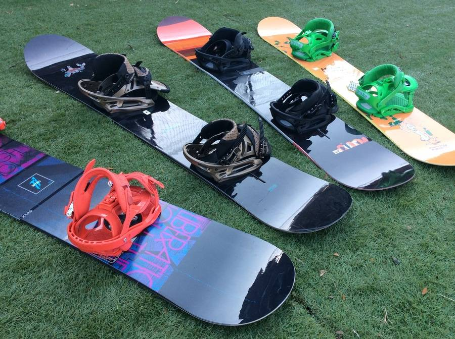 シーズンスポーツのスノーボード