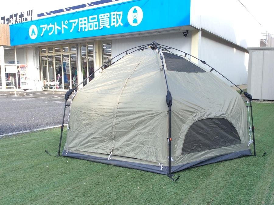 キャンプ用品のワンタッチテント