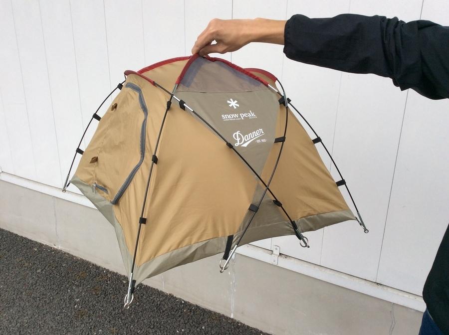 キャンプ用品のダナー