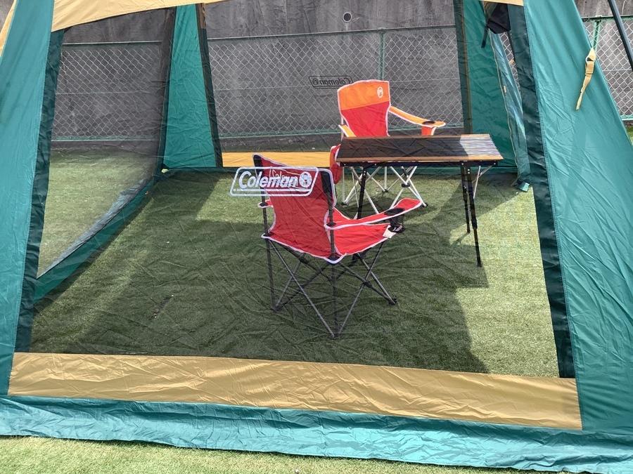 スクリーンタープの2ルームテント