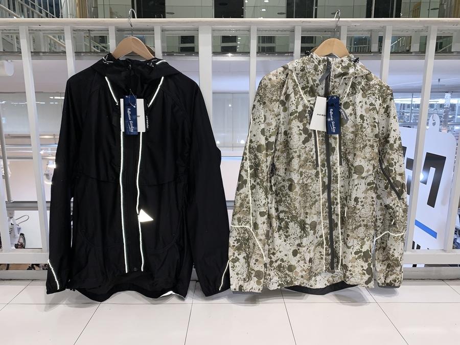 【スマホから購入OK!】アンドワンダー ラッセルプリントジャケット2カラー入荷しました♪