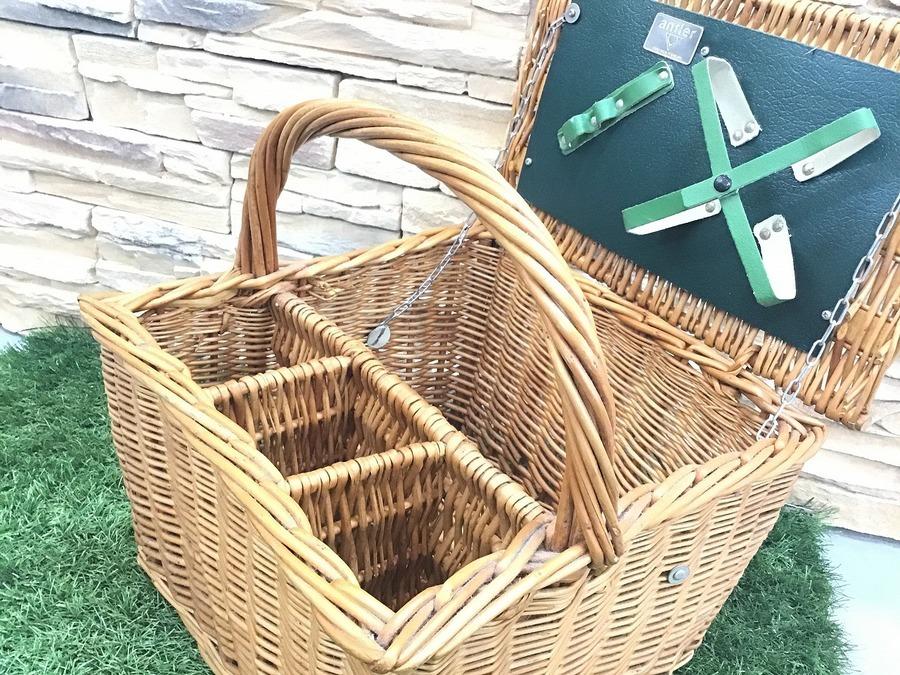 キャンプ用品のピクニック