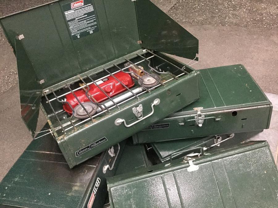 【大売出し】コールマンのガソリンツーバーナー413H大特価で販売中!