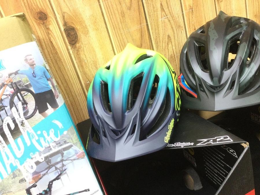 【自転車用品買取】トロイリーデザインズのヘルメット等入荷!