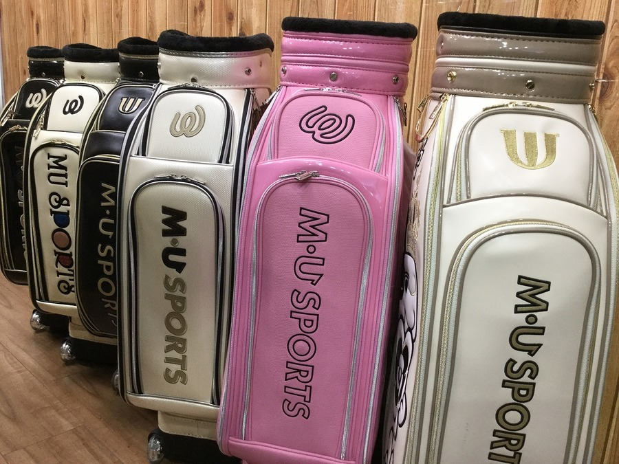 「スポーツ用品のゴルフ 」