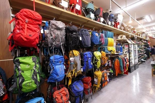 登山用品もお取り扱いしています!初心者にも優しい専門スタッフがご案内いたします!